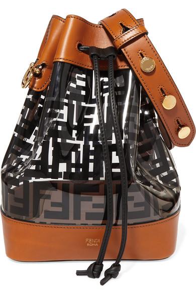 شنطة شفافة بتصميم يناسب الإطلالات الكاجوال من Fendi