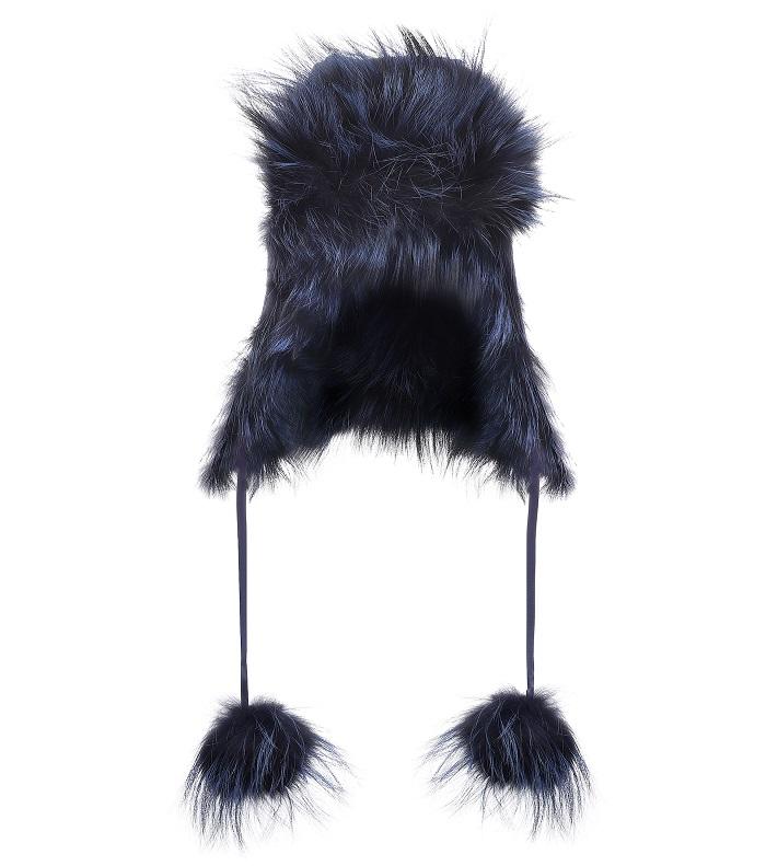 قبعة شتوية بتصميم مميز من الفرو من Fendi