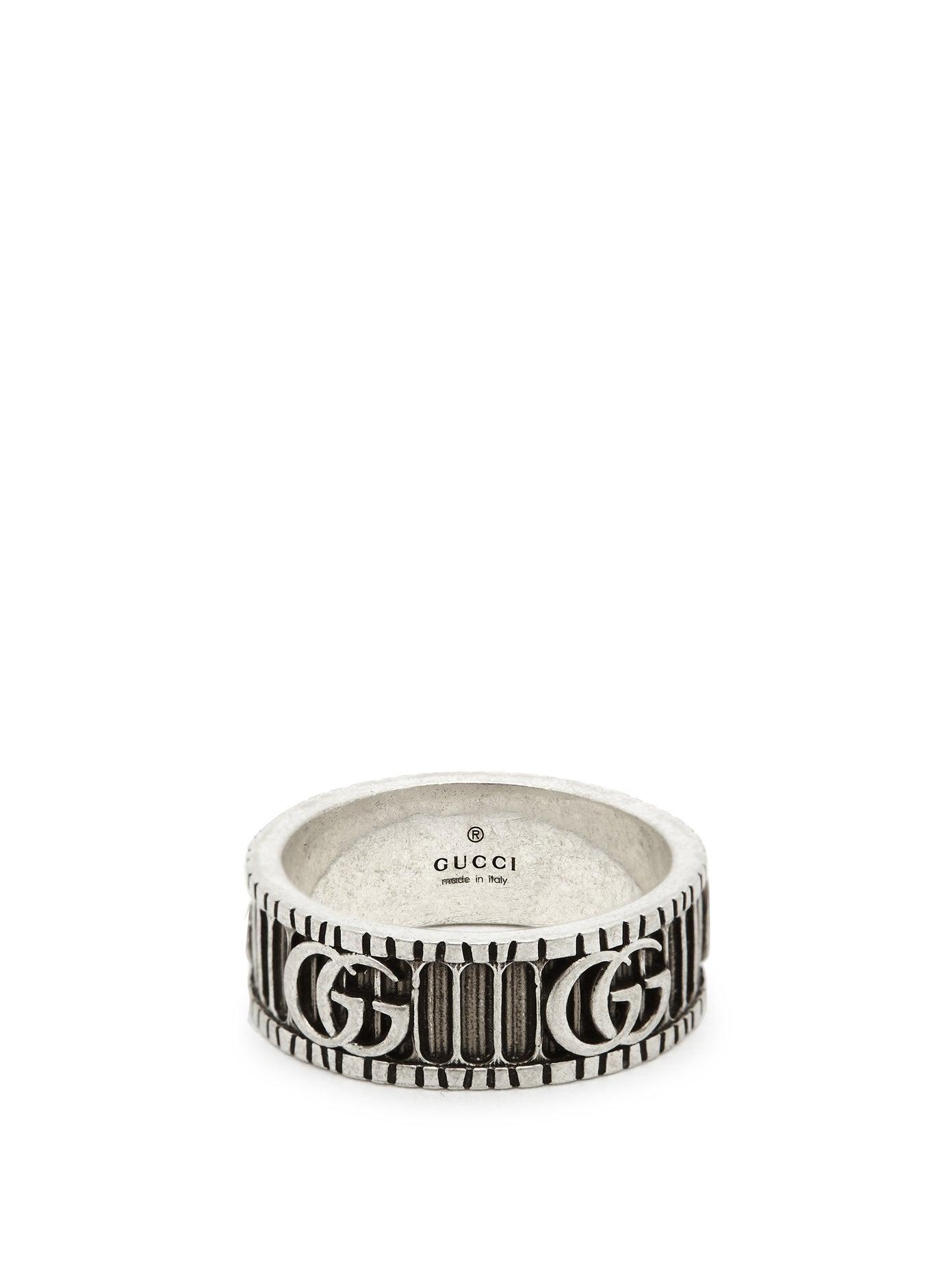 خاتم رجالي من الفضة مع اللون الأسود من Gucci