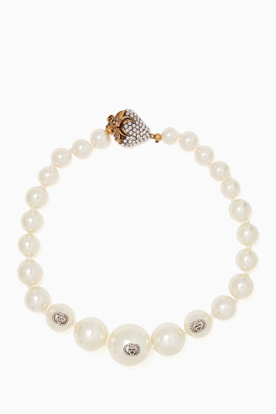 عقد من Gucci بتصميم مميز ولافت مع أحجار الماس