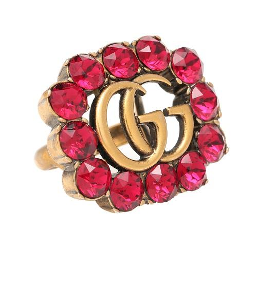 خاتم من الذهب مرصع بالاحمر من Gucci