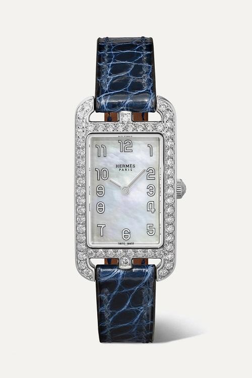 ساعة من الجلد باللون الكحلي من Hermès