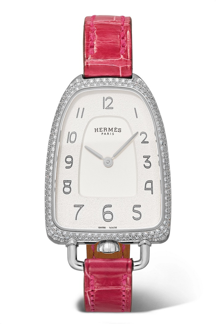 ساعة من الجلد الوردي الغامق مع أحجار الألماس من Hermès