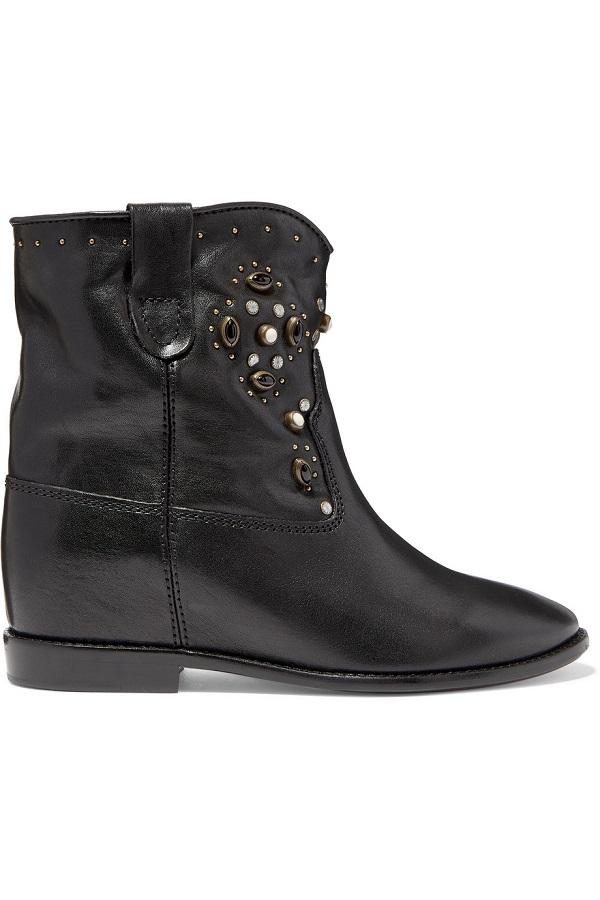 حذاء أسود يليق بالإطلالات الكلاسيكية من Isabel Marant