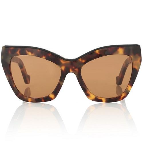 نظارات عيون القطة بإطارات عريضة من Loewe