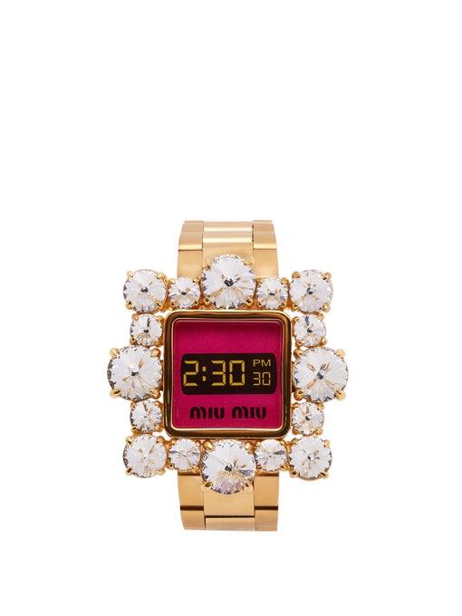 ساعة من Miu Miu بتصميم مميز ومرصع بالماس