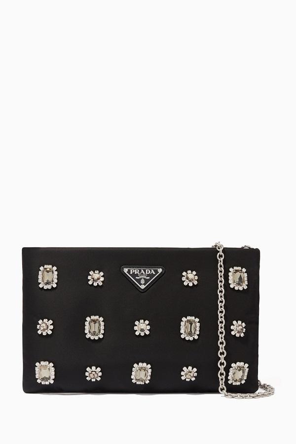 حقيبة يد كلاتش مرصعة باحجار الماس الفاخرة من Prada