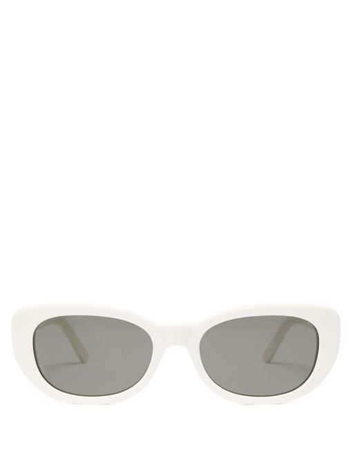 نظارات شمسية بإطارات عريضة باللون الأبيض الناصع من Saint Laurent