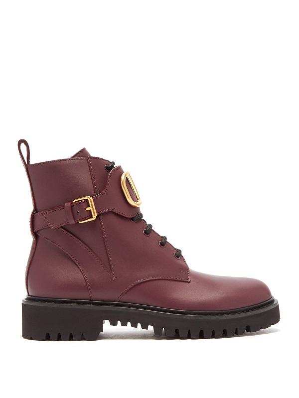 حذاء بوت قصير باللون الأحمر الغامق من Valentino
