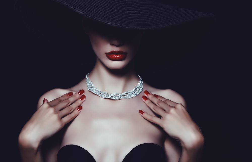 قلادات الماس