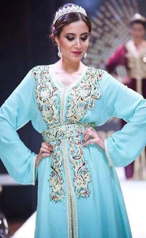القفطان المغربي بالألوان الفاتحة