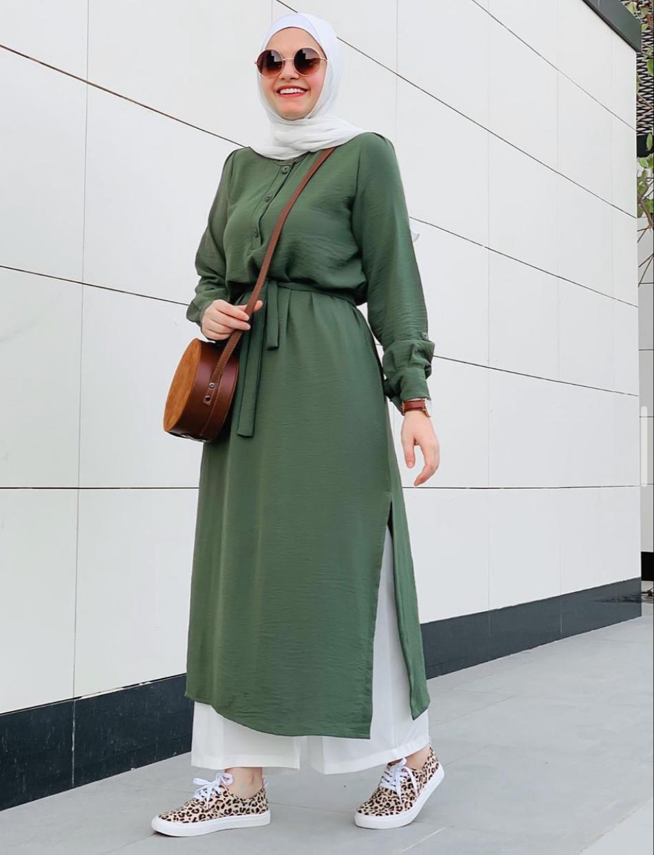 الفساتين الخضراء مع الحجاب الفاتح من آية فوزي