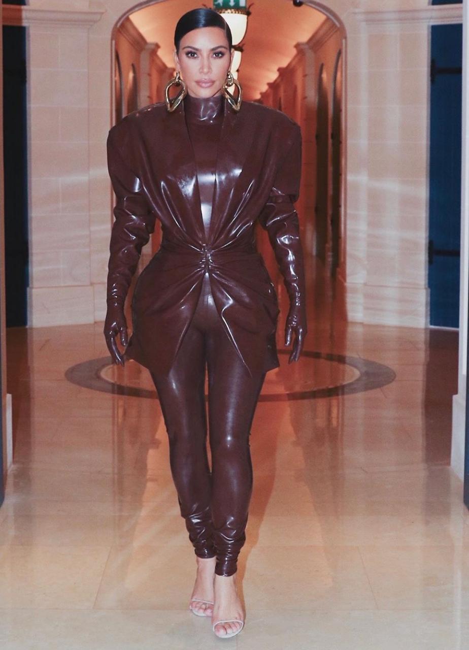نصائح لاختيار أزياء الجلد
