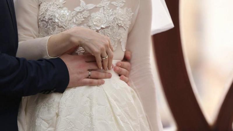 على العروس أن تعرف أن الخوف أمر طبيعي في ليلة الدخلة