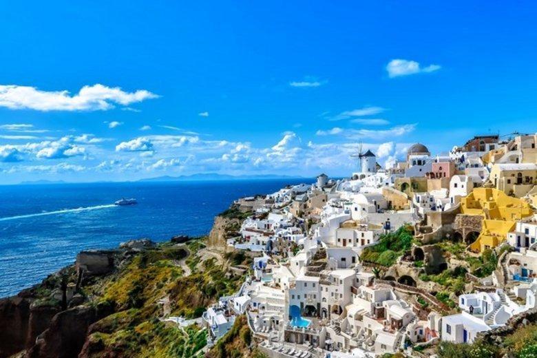 شهر العسل في بيرغوس اليونانية