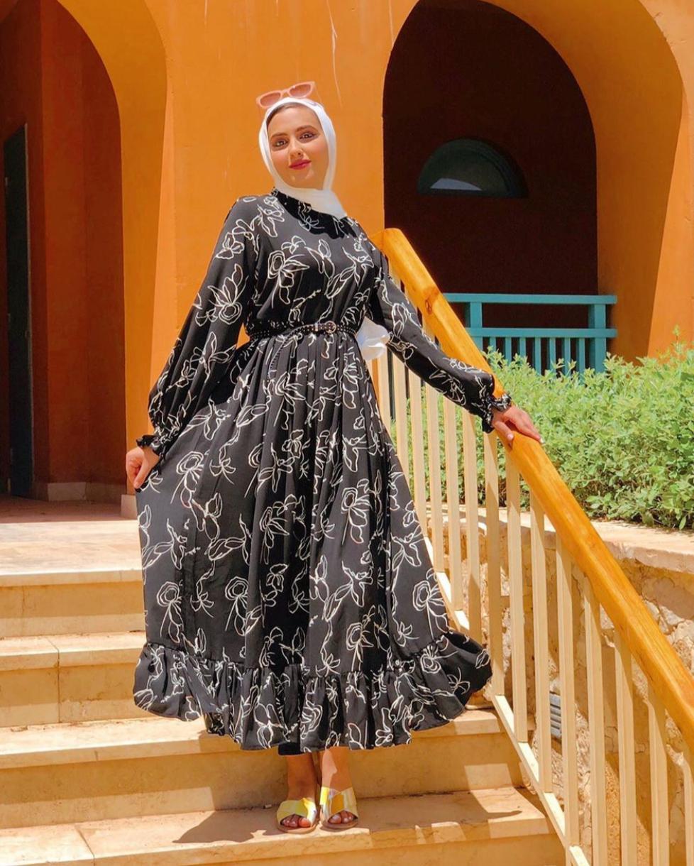 إطلالات الفساتين الصيفية للمحجبات