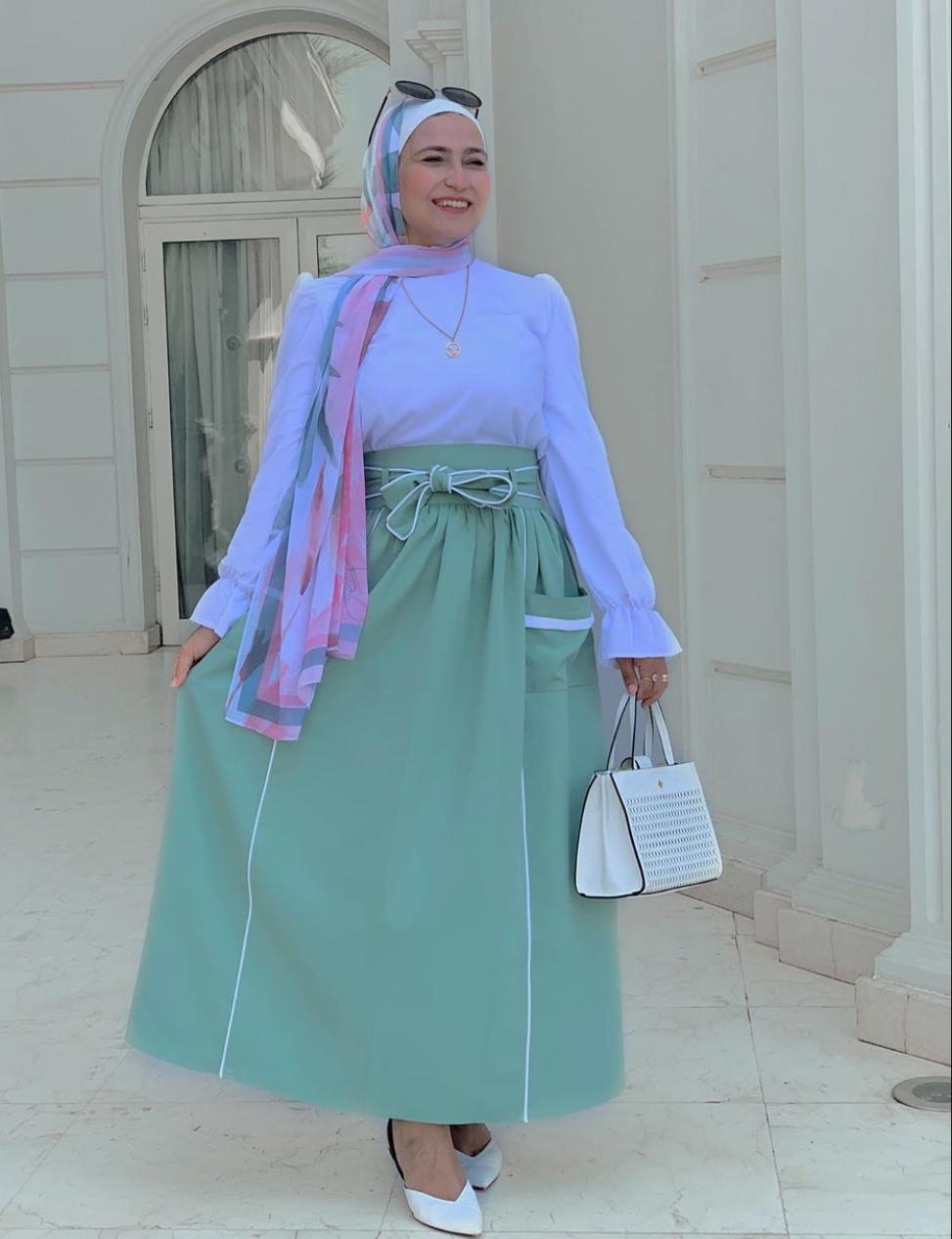 إطلالات خضراء مع الحجاب الملون من وفاء عز الدين
