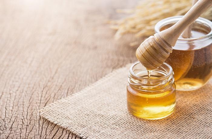 للعسل فوائد كثيرة على البشرة