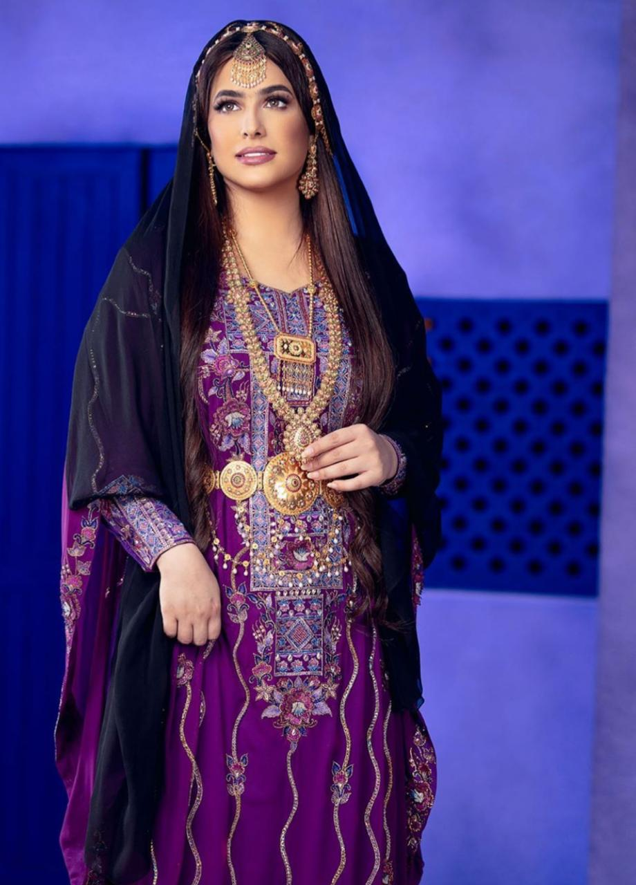 الجلابيات الإماراتية مع ثوب النشل