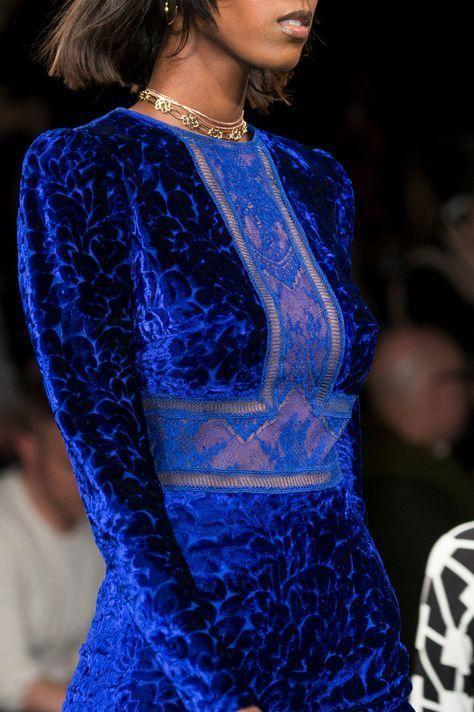 فستان فيلفت