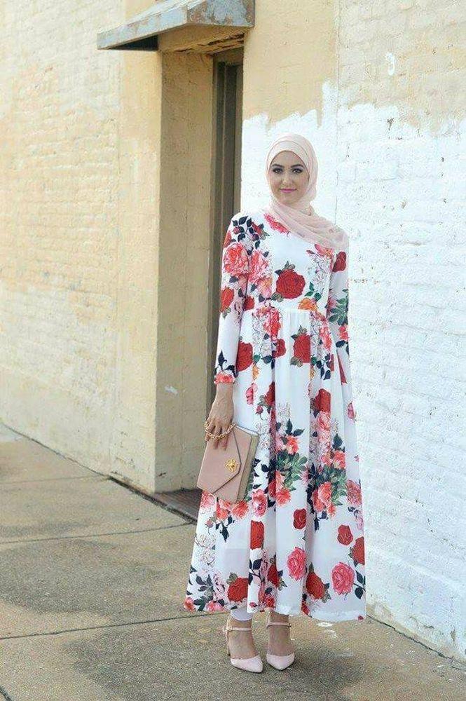 فستان محجبات مٌزين بالورود