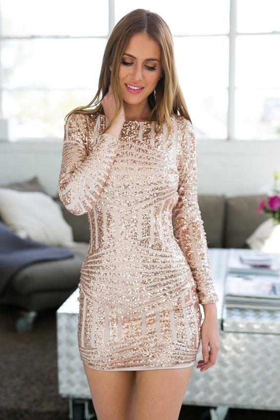 فستان قصير مطرز بالترتر