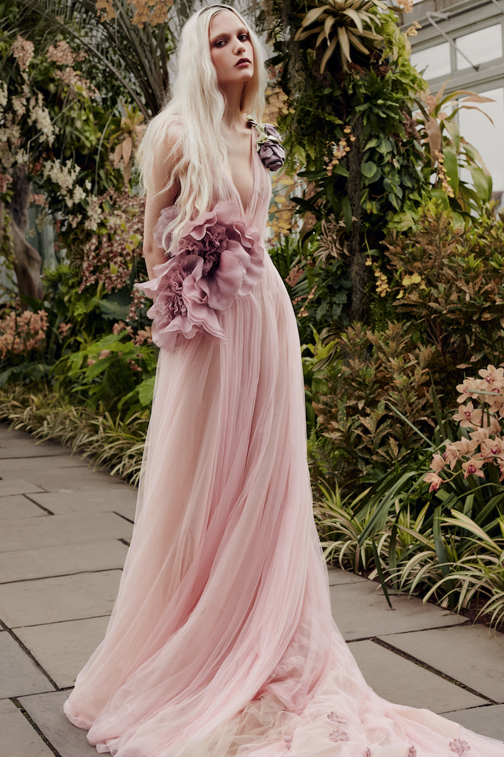 فستان من التول من فيرا وانغ