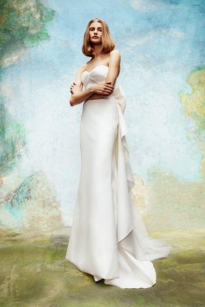 فساتين زفاف مع فيونكة