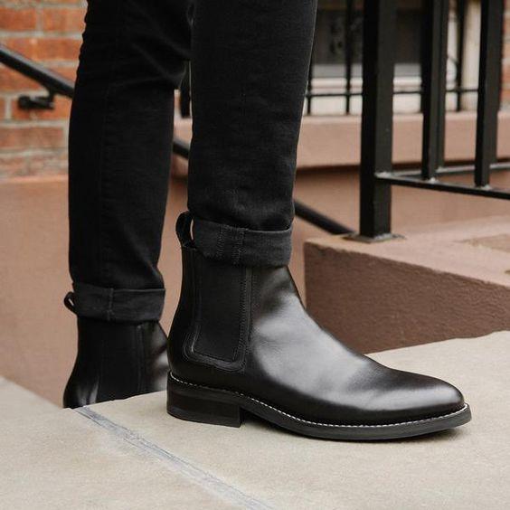 حذاء مريح وأنيق لإطلالة شتوية تناسب الرجل العملي