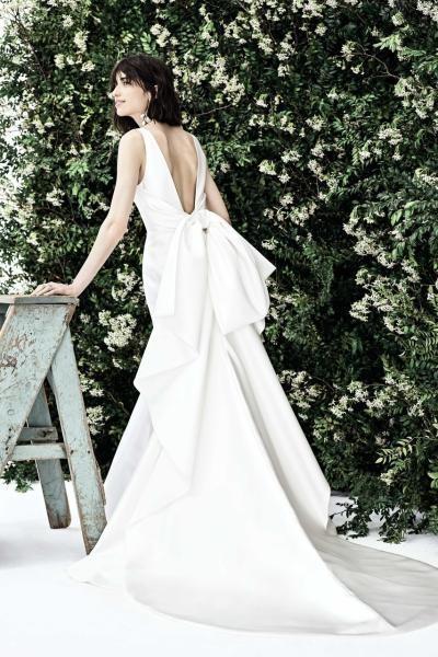 فستان كارولينا هيريرا