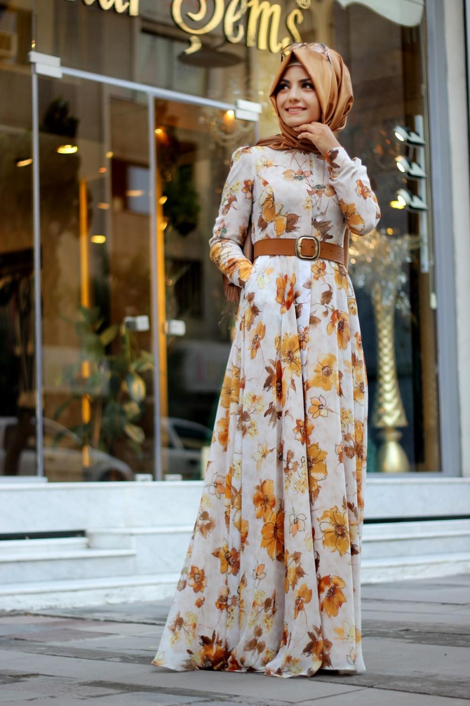 فستان بتصميم الورود