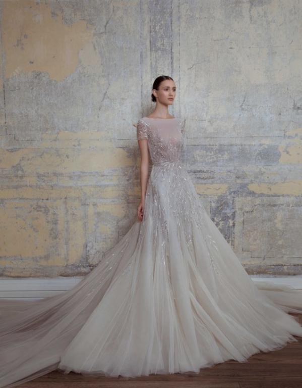 فستان منفوش من جورج حبيقة