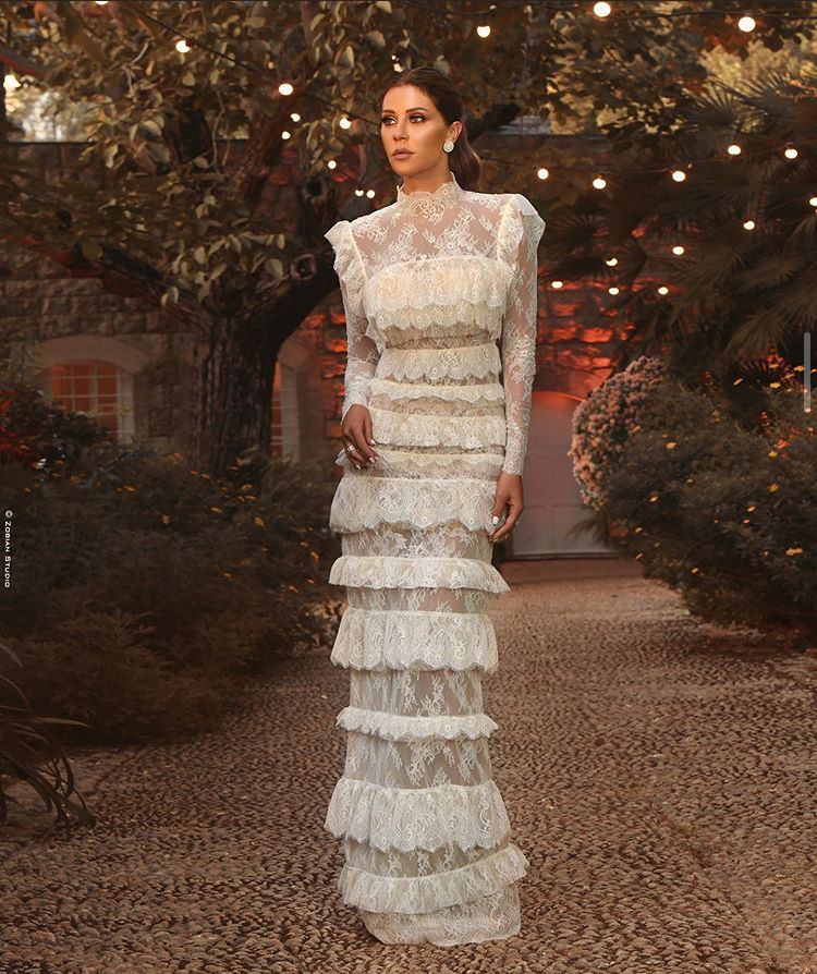 كارلا حداد بفستان زفاف
