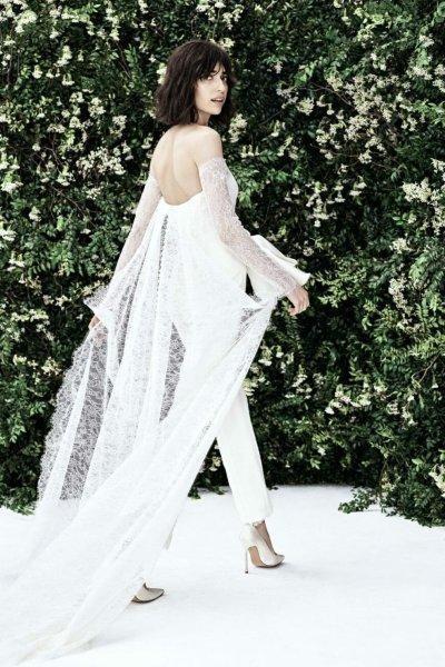 جمبسوت أبيض للعروس