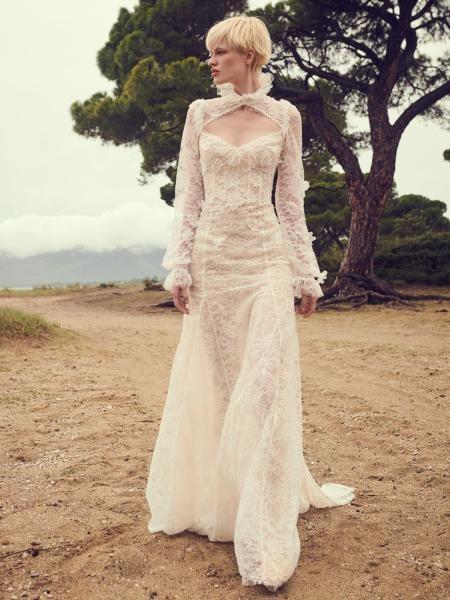 فستان دانتيل ناعم