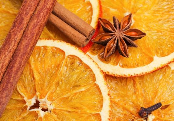 عطر القرفة والبرتقال والقرنفل