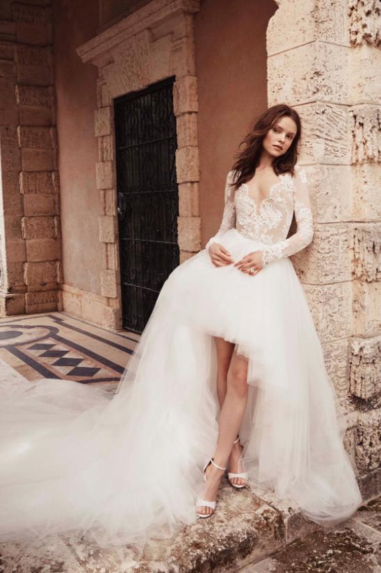 فستان بتصميم فريد من مونيك لويلييه