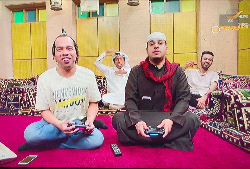 يقدم المسلسل دروساً للمجتمع السعودي بطريقة كوميدية وهادفة