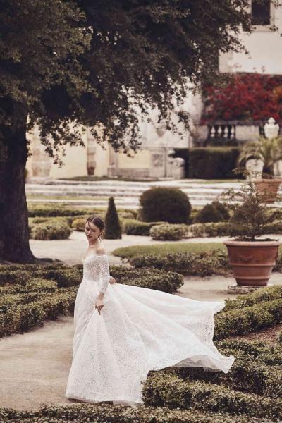 فستان زفاف اوف شولدر بأكمام طويلة