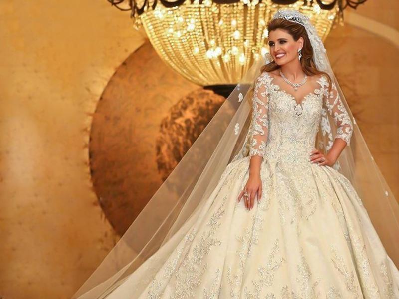 فستان نورا حاراتي