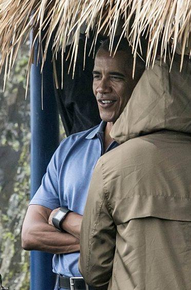 """كان يطلق على اوباما لقب """" باري الصغير"""" من قبل زملاء الدراسة"""