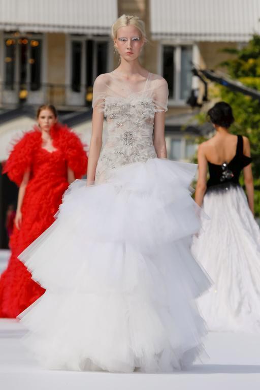 فستان عصري من رالف آند روسو