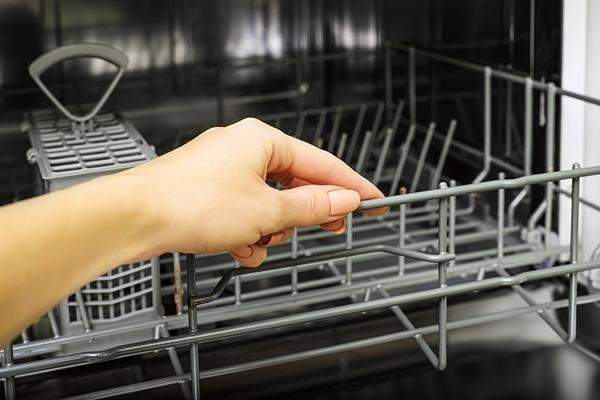 كيفية المحافظة على غسالة الأطباق