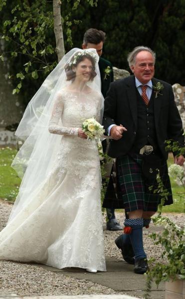 العروس روز ليسلي