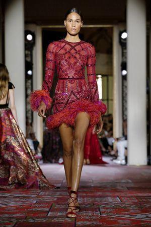 فستان مميز من زهير مراد