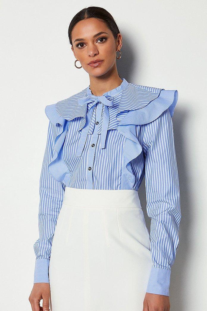 قميص ذو خطوط طولية مُزين بالكشكش