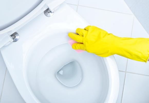 تنظيف المراحيض