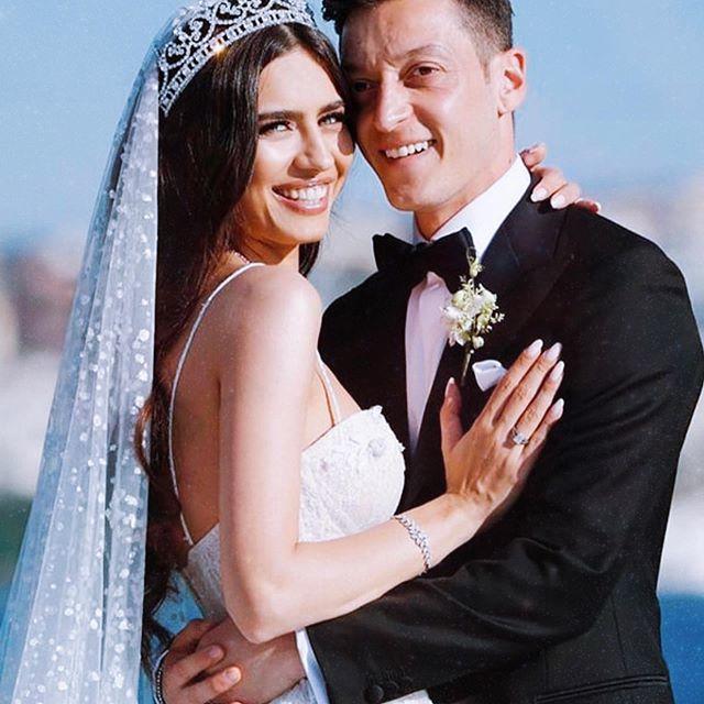 أوزيل وعروسه