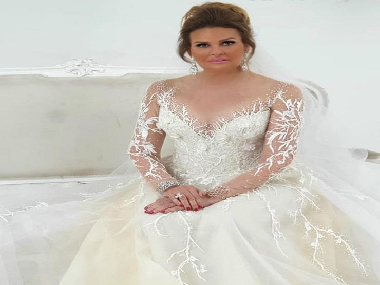 يسرا بفستان زفاف
