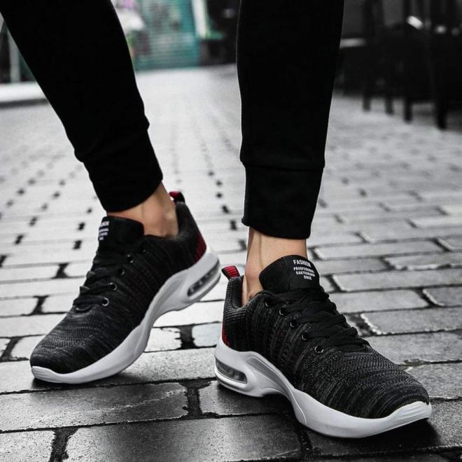 3bfe2d571b85e نايك  تتصدر الشركة قائمة أفضل الماركات العالمية للأحذية الرياضية؛ وذلك لما  تتميز به من جودة وفخامة منتجاتها وتصميماتها المميزة، ما يجعلها الاختيار  الأول ...